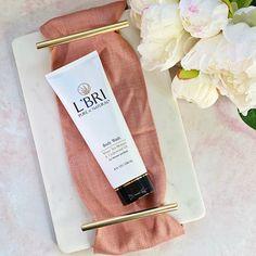 Body Wash, Aloe, Cedarwood Oil, Vitamins, Fragrance, Cedar Oil, Shower Gel, Vitamin D, Perfume