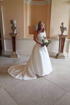 Stunning bride in a beautiful dress at Danson House Kent Wedding Photographer, Wedding Photography, Wedding Images, Beautiful Dresses, Wedding Day, Weddings, Bride, Wedding Dresses, House