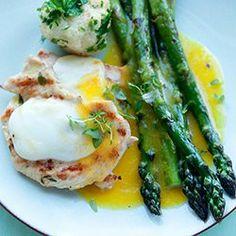 Grillowany kurczak z serem i szparagi z sosem pomarańczowym | Kwestia Smaku