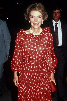 Nancy Reagan: 6 Classic Looks Worn By The First Lady Nancy Reagan, Ronald Reagan, First Ladies, Dress Codes, Classic Looks, Fashion Photo, Lady In Red, Style Icons, Nice Dresses
