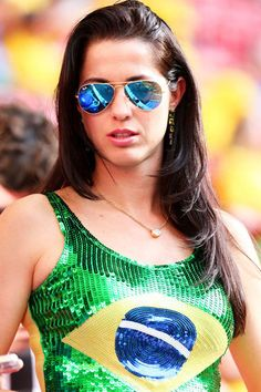 Hot Football Fans, Football Girls, Ukraine Girls, Sports Figures, Tennis Players, Hollywood Actresses, Fashion Models, Mirrored Sunglasses, Cool Photos
