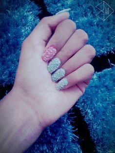 Frost nail art