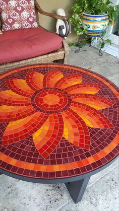 Mandala shape - Martin Alejo Mangeaud - Table top, stepping stone in a simpler design, coaster, loads of uses for this pattern.free mosaic patterns for tables RoundI think this would make a great hooked chair padLove the tranquil colours. Mosaic Garden Art, Mosaic Tile Art, Mosaic Vase, Mosaic Crafts, Mosaic Projects, Stained Glass Projects, Mosaics, Mosaic Artwork, Table Mosaic