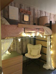 University of Oregon Dorm Room LLC North 2016