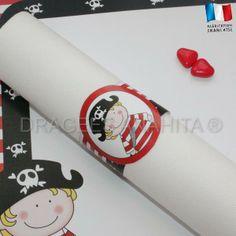 Rond de serviette thème pirate, un petit pirate qui gardera les serviettes pour une déocration de table coordonnée avec votre thème.