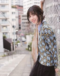 Asian Woman, Cute Girls, Actresses, Blouse, Lady, Model, Asian Ladies, Style, Humor