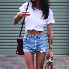 40 Casual Street Style Outfit Ideas from Stylish - Outfit Ideas Street Look, Street Style Summer, Casual Street Style, Short Outfits, Summer Outfits, Casual Outfits, Cute Outfits, Casual Wear, Looks Con Shorts