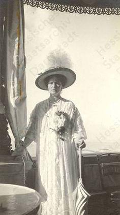 ohsoromanov:  Alexandra Feodorovna, Empress of Russia.
