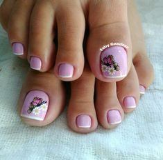 Pedicure Designs, Manicure E Pedicure, Toe Nail Designs, Pretty Pedicures, Pretty Nails, Spring Nail Art, Spring Nails, Kathy Nails, Queen Nails