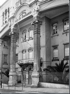 Restos de Colecção Portuguese Tiles, Back In The Day, Vintage Photography, Old Photos, The Past, Cinema, Landscape, History, Street
