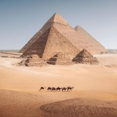 Places To Travel, Places To Visit, Great Pyramid Of Giza, Pyramids Of Giza, Giza Egypt, Egypt Art, Egypt Travel, Africa Travel, Travel Aesthetic