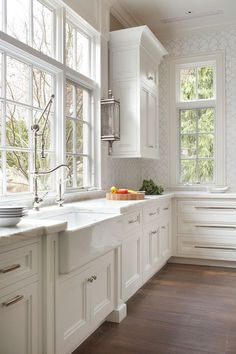 In love with home decoration, White kitchen