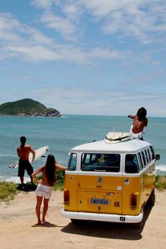 Discovering a new spot...  #surf #vw #combi
