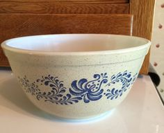 Pyrex Homestead Mixing Bowl #402 by TGALCOLLECTIBLES on Etsy