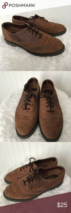 AEO Women's Brown Leather lace up Oxford shoes Great condition  Brown Leather  Non slip tread sole Lace up  Comfortable casual shoe Size women's 7 M  Bin 13 American Eagle Outfitters Shoes