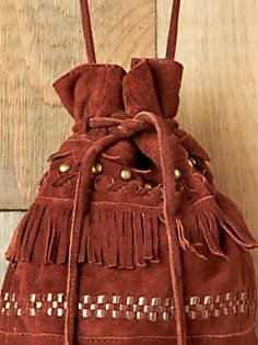 Reminds me of a bag I had when I was a teenager. I loved that bag