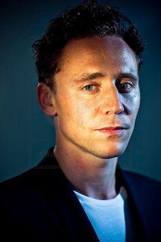 Flashback --Tom Hiddleston by Michael Muller   Comic-Con 2011 Portraits.