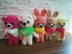 Háčkovaný mini Medvídek / Mini Zajíček – Jak háčkovat Diy And Crafts, Dinosaur Stuffed Animal, Teddy Bear, Kitty, Knitting, Toys, Baby, Animals, Zip
