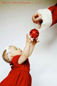 Christmas baby, great idea for Christmas pictures !