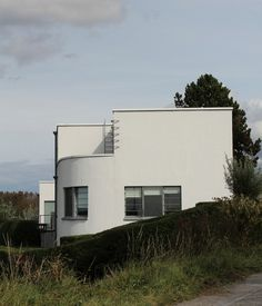 Avant-garde painter Floris Jespers modernist home, Photograph - Patrick goeman