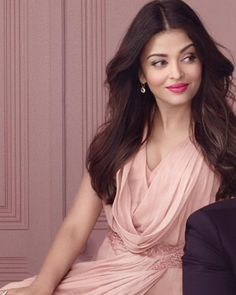 Too Hot to Handle! Sonam, Aishwarya and Katrina pose together | PINKVILLA