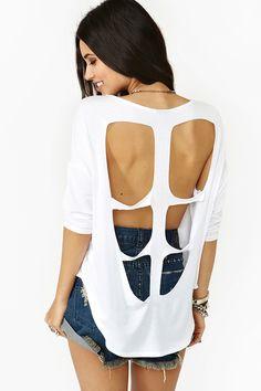 #DIY cutout back shirt