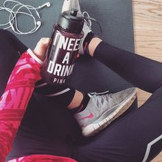 Find images and videos about pink, outfit and fitness on We Heart It - the app to get lost in what you love. Vs Pink, Gym Photos, Fitness Photoshoot, Workout Pictures, Fit Motivation, Workout Gear, Workout Attire, Workouts, Workout Videos