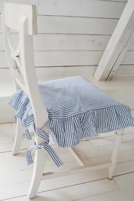 Blue and white striped cushion on white chair. Cottage Style Decor, Cottage Style Homes, Swedish Style, Swedish Design, Furniture Slipcovers, Slipcovers For Chairs, Farm House Colors, Textiles, White Houses