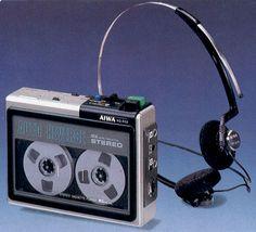 Vintage walkman, vintage cassette player, Aiwa This retro walkman has… Cd Audio, Hifi Audio, Cassette Recorder, Tape Recorder, Retro, Radio Antigua, Old Computers, Audio Equipment, Audiophile
