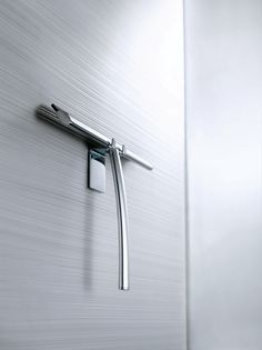 Wall mounted shower squeegee / Dezi Home