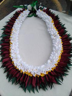 Ribbon Lei, Ribbon Garland, Ribbons, Flower Lei, Flower Tiara, How To Make Garland, Island Crafts, Aloha Party, Graduation Leis