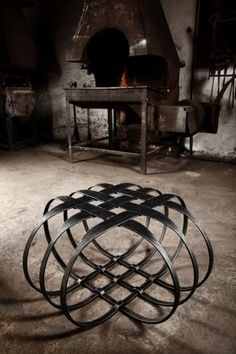 Wrought Iron Furniture, Brutalist Seat, Modern Furniture Design Ideas – metal of life Iron Furniture, Modern Furniture, Furniture Design, Furniture Ideas, Brutalist Furniture, Inexpensive Furniture, Furniture Websites, Cheap Furniture, Furniture Makeover
