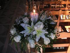 Ανθοστολισμός γάμου - βάφτισης στον Αγ.Νικόλαο στην Γλυφάδα #lesfleuristes #λουλούδια #ανθοσύνθεση #ανθοπωλείο #γλυφάδα #γάμος #βάφτιση #νύφη #δεξίωση Table Decorations, Furniture, Home Decor, Decoration Home, Room Decor, Home Furnishings, Home Interior Design, Dinner Table Decorations, Home Decoration