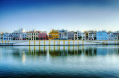 Rincones de Andalucía: Calle Betis (Sevilla) / Places of Andalusia: Betis Street (Seville) Voyager Seul, Voyager Loin, Oh The Places You'll Go, Great Places, Places To Visit, Beautiful Places In Spain, Worldwide Photography, Rivers And Roads, Melbourne