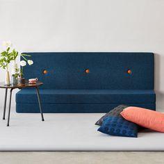 Tumlemadras, hyggeplads, sofa, aflang puf og gæsteseng - mulighederne er mange med den lækre KK 3 Fold multimadras fra by KlipKlap.
