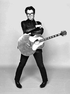 STYLE ICON OF THE WEEK: ELVIS COSTELLO