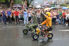 Mini motos Baby Strollers, Children, Mini, Street Rods, Baby Prams, Young Children, Boys, Kids, Strollers