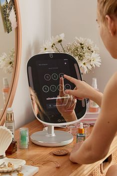 makeup mirror with lights . makeup mirror with lights diy . makeup mirror with lights wall mounted . makeup mirror with lights vanity tables . Beauty Care, Beauty Skin, Beauty Hacks, Beauty Tips, Face Beauty, Beauty Ideas, Beauty Secrets, Diy Beauty, Skin Secrets