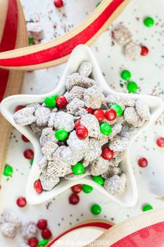 Reindeer Chow - This Silly Girl's Kitchen Cute Christmas Tree, Christmas Tree Cookies, Christmas Snacks, Christmas Goodies, Holiday Treats, Christmas Recipes, Christmas Cooking, Kids Christmas, Holiday Recipes