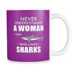 Mug woman who loves sharks SCD2003 – JorJune