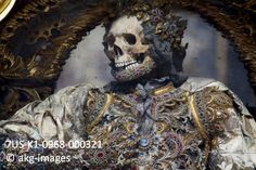 7US-K1-0968-000321 Detail of St Gratian from the Basilika in Waldsassen, Germany, said to hold the largest extent collection of the skeletons of martyrs from the Roman catacombs, 2012 akg-images / Paul Koudounaris