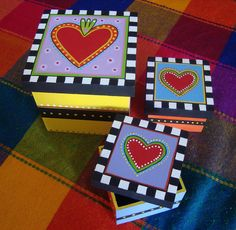 Caja Corazones by rebeca maltos, via Flickr Fun Crafts, Diy And Crafts, Paper Crafts, Arts And Crafts, Painted Boxes, Wooden Boxes, Hand Painted, Tole Painting, Painting On Wood