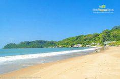 A linda Praia de Cabeçudas, em Itajaí, SC.  Foto de Ricardo Junior /  Veja mais > http://www.guiaviagensbrasil.com/blog/festival-de-musica-de-itajai/