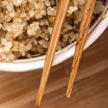 Il faut que j'apprenne à cuisiner ça!    Le quinoa pour lutter contre la faim: http://fr.canoe.ca/artdevivre/cuisine/article1/2012/06/11/19863241-afp.html#