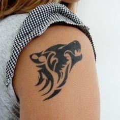 les 79 meilleures images du tableau tatouage loup sur pinterest tatouage loup tatouages. Black Bedroom Furniture Sets. Home Design Ideas