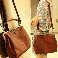 bag / shoulder bag brown