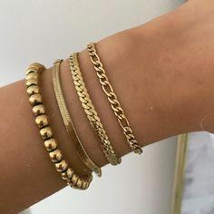 Cute Jewelry, Jewelry Bracelets, Silver Jewelry, Jewellery, Accesorios Casual, Gold Accessories, Gold Bangles, Pendant Jewelry, Jewelry Design