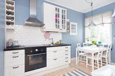 Jurnal de design interior: O frumoasă bucătărie într-o garsonieră de 39 m²