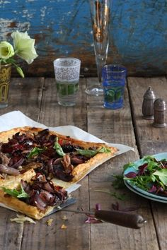 This Pissaladière recipe uses NoMU's Provençal Rub. It is the perfect light lunch to enjoy with a glass of vino and a group of friends. South African Recipes, Indian Food Recipes, Ethnic Recipes, Meal Recipes, Pastry Dishes, Savoury Baking, Mediterranean Diet Recipes