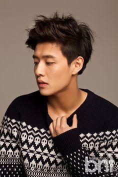 Kang Ha-neul – to sew a button Hot Korean Guys, Korean Men, Asian Men, Asian Actors, Korean Actors, Korean Celebrities, Celebs, Dramas, Kang Haneul